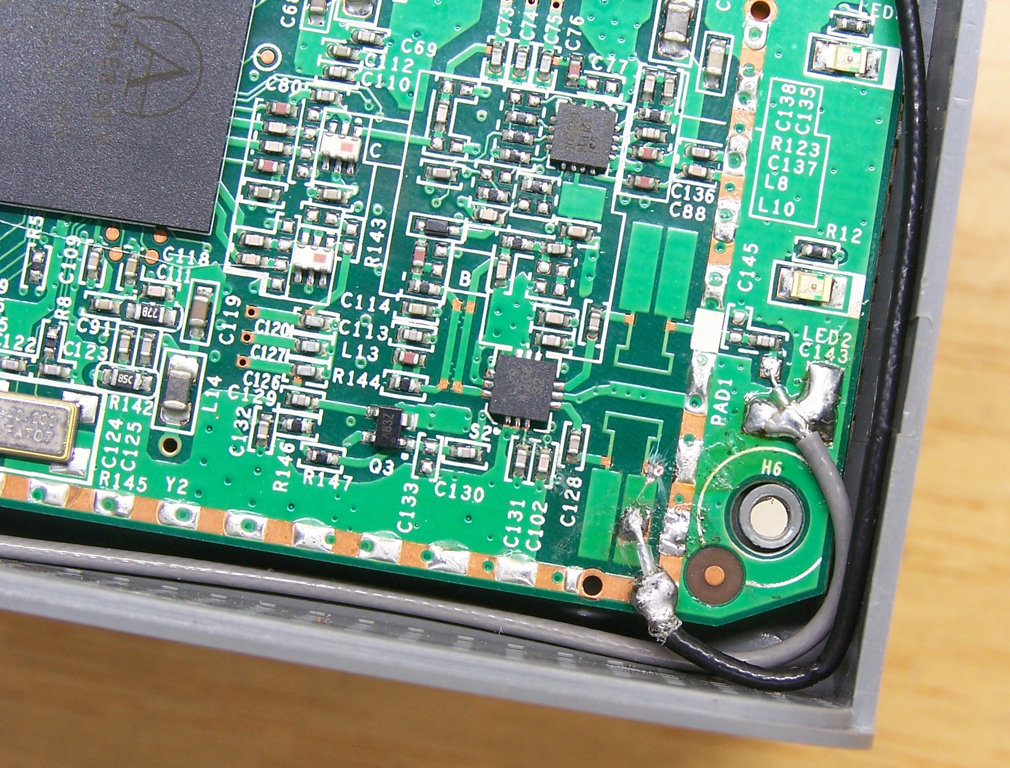 fon2200-2nd-antenna-mod-soldering-detail.jpg