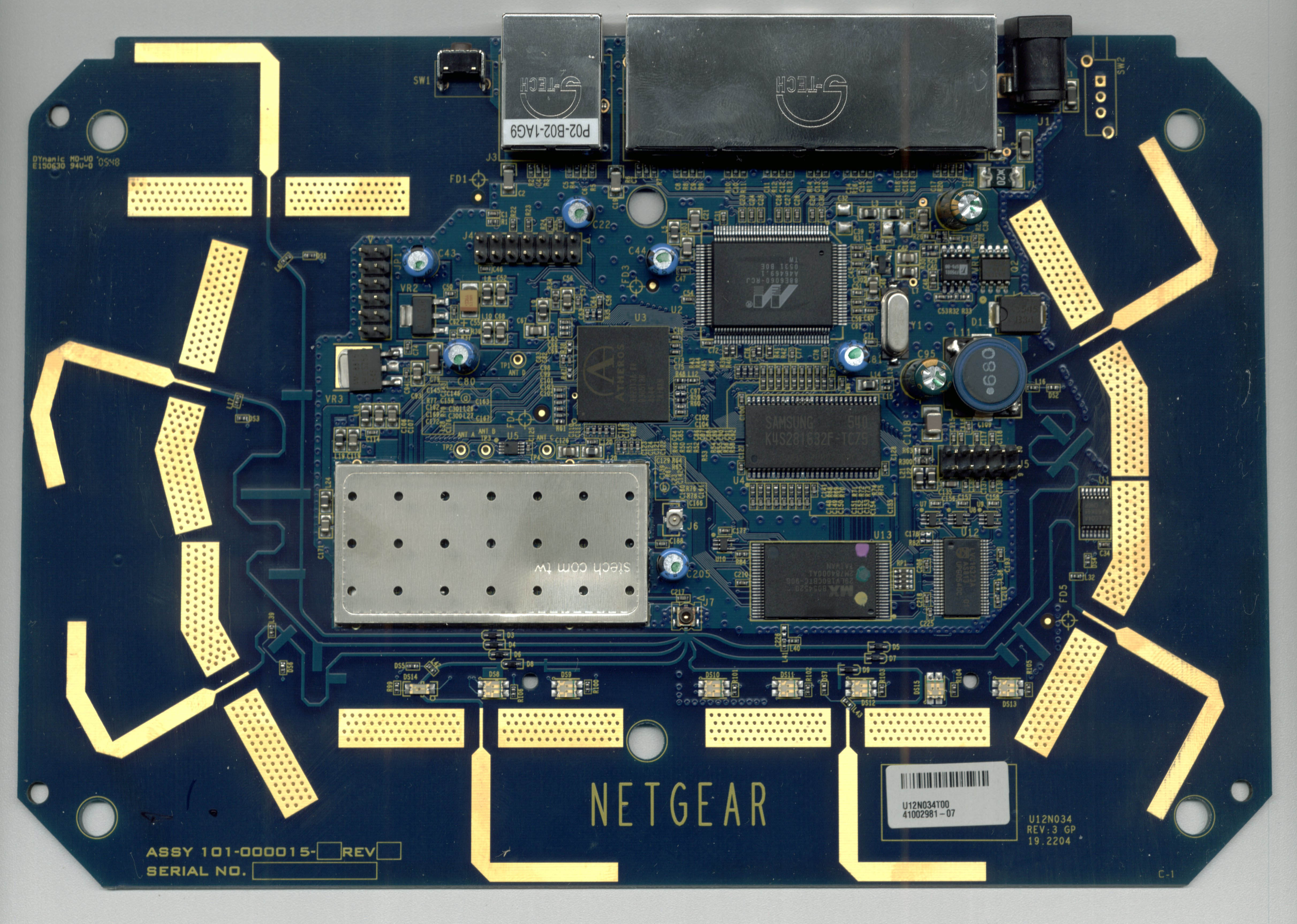 netgear_wpn824v1_board_top.jpg