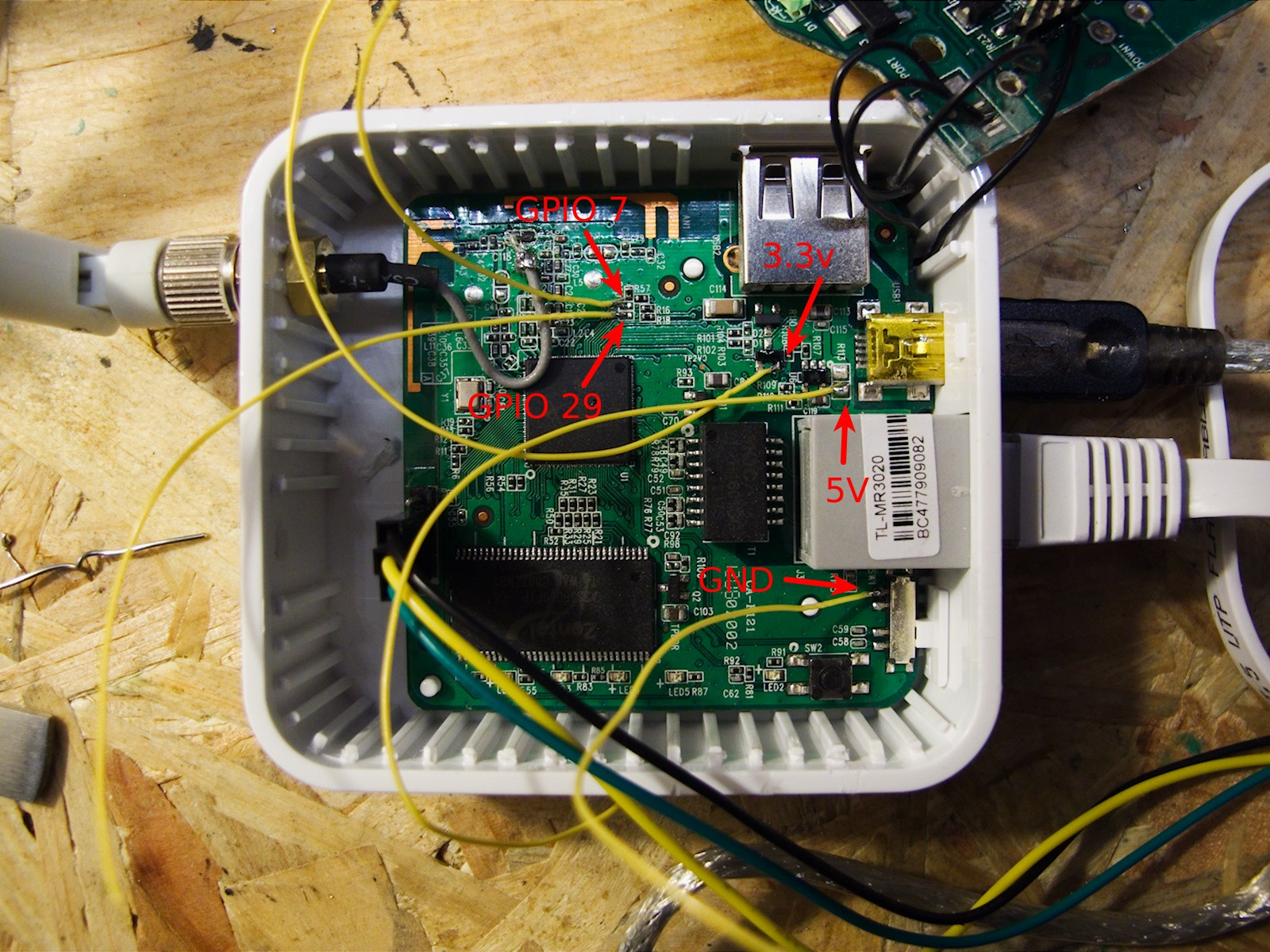 MR3020 i2C hack